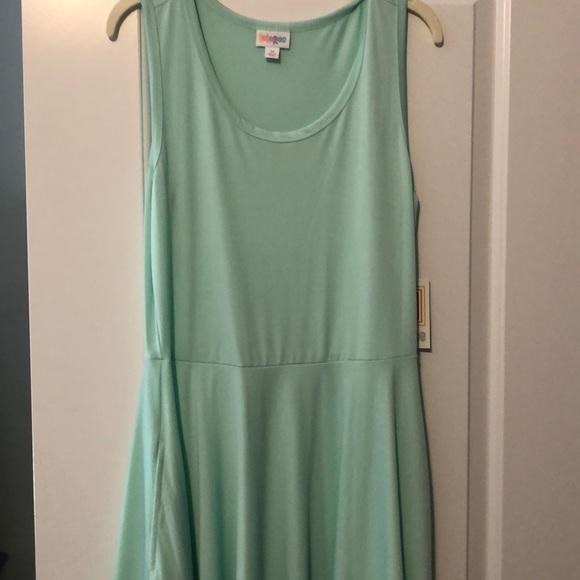LuLaRoe Dresses & Skirts - NWT Size M LuLaRoe Mint Nicki Dress